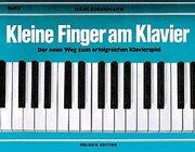 Kleine Finger am Klavier 2